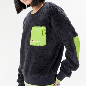 New Champion Exclusive Sherpa Crew Neck Sweatshirt